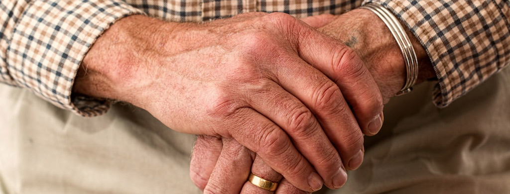 huiles essentielles aromatherapie personnes agees